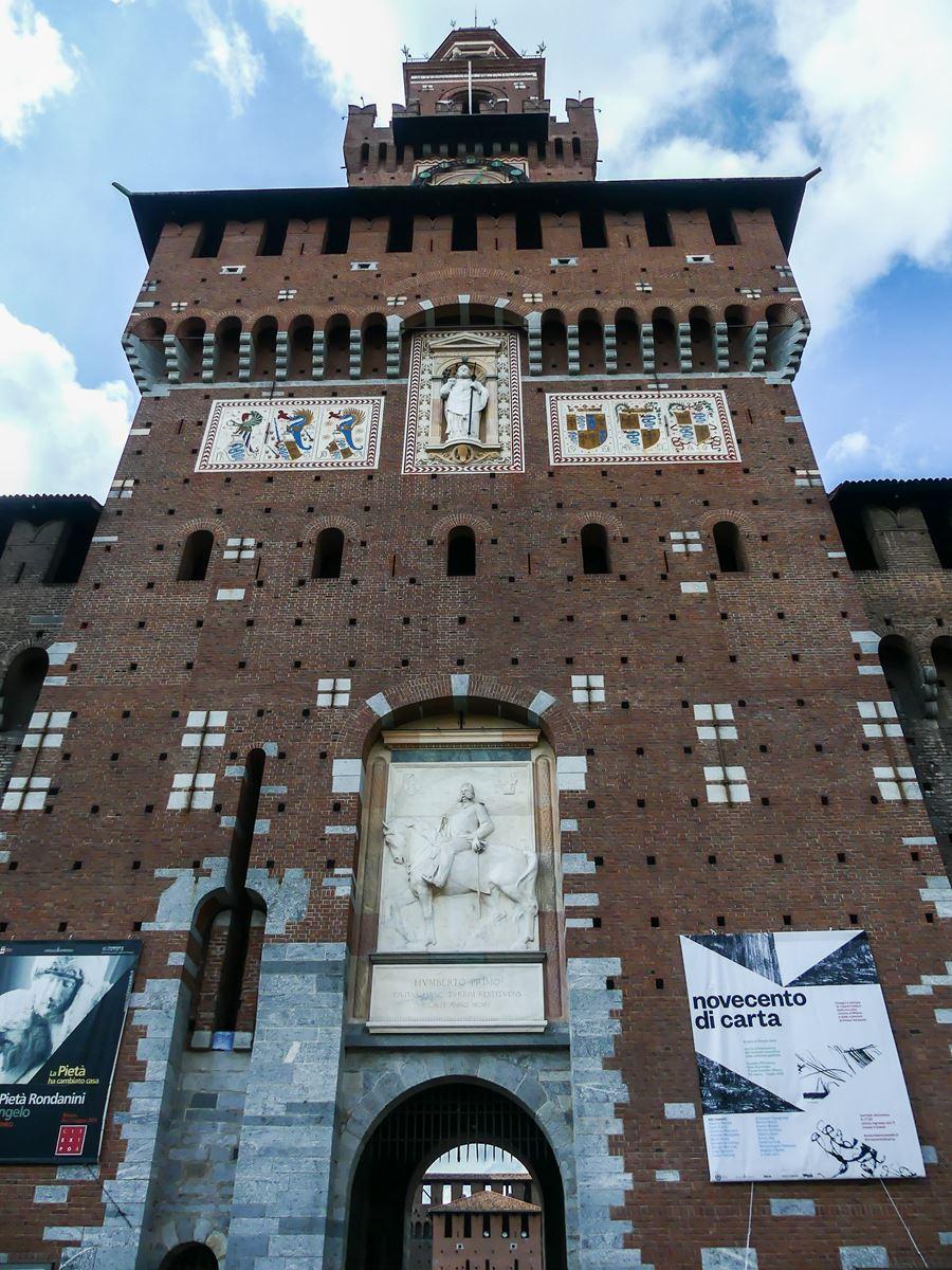 claironyva italie milan chateau parc sempione