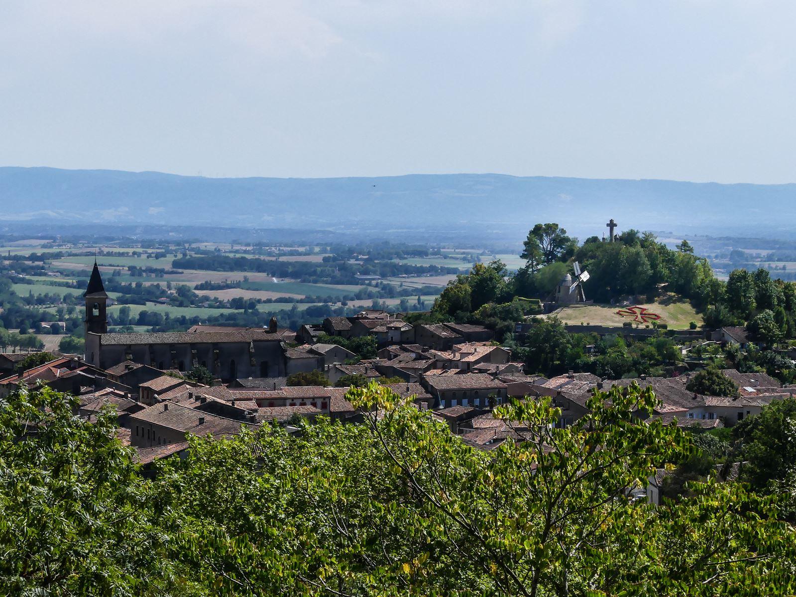 Lautrec colline du moulin -Tarn