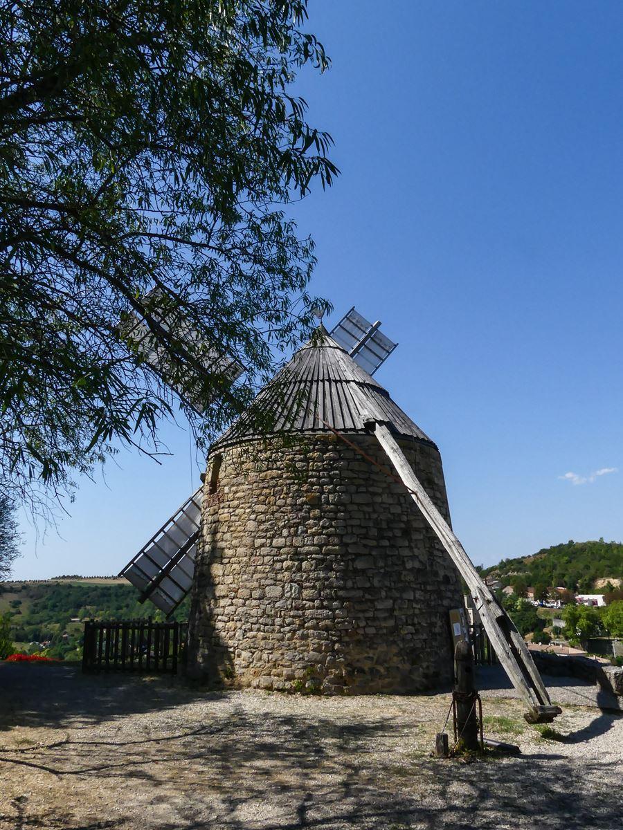 Lautrec colline du moulin