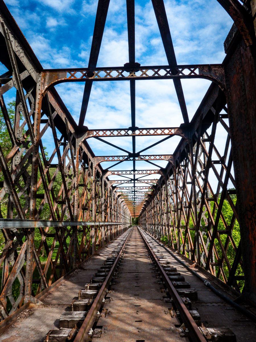 Récupération du chemin de halage par le pont du GR36