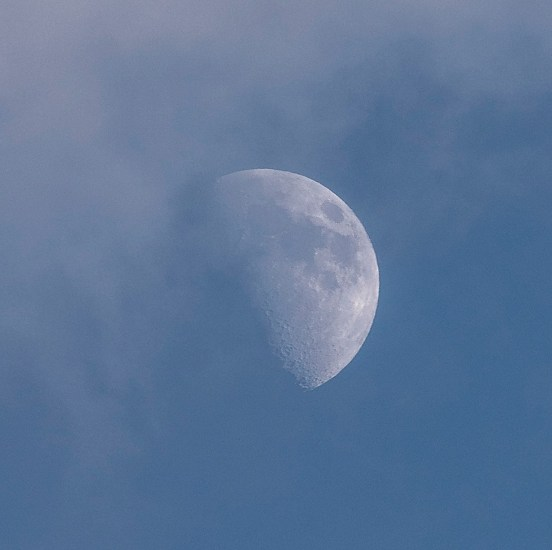 Marc Yankus, Moon in Clouds
