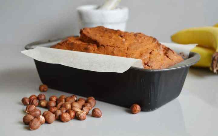 Spice banana and hazelnut loaf