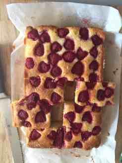Baking Without Sugar. Raspberry and Almond Traybake
