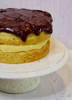 Cake on a cake stand