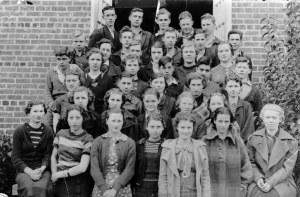 Retrato escolar antigo em preto e branco
