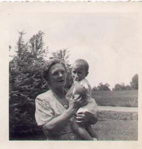 Hattie McKee Wilson and grandchild