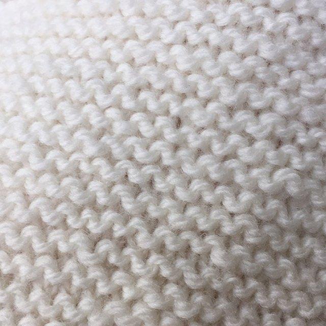 Grounding through garter stitch