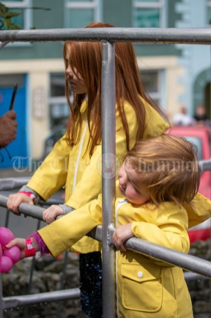 020819 Olivia (3) and her sister Aoibhinn Enright (5), Scariff, at the Scariff harbour festival on Sunday.pic Arthur Ellis.