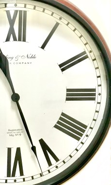 clock half