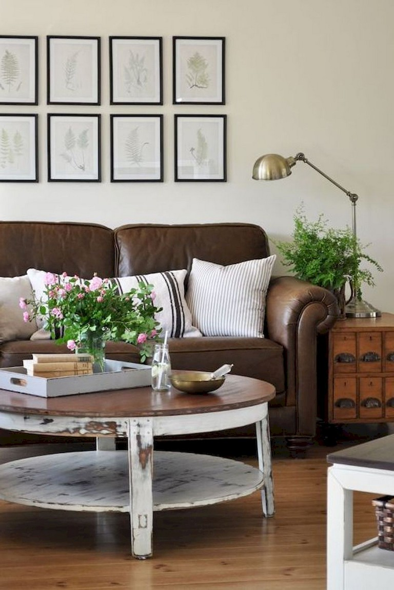 82+ Comfy Small Apartment Living Room Decorating Ideas on ... on Awesome Apartment Budget Apartment Living Room Ideas  id=84622