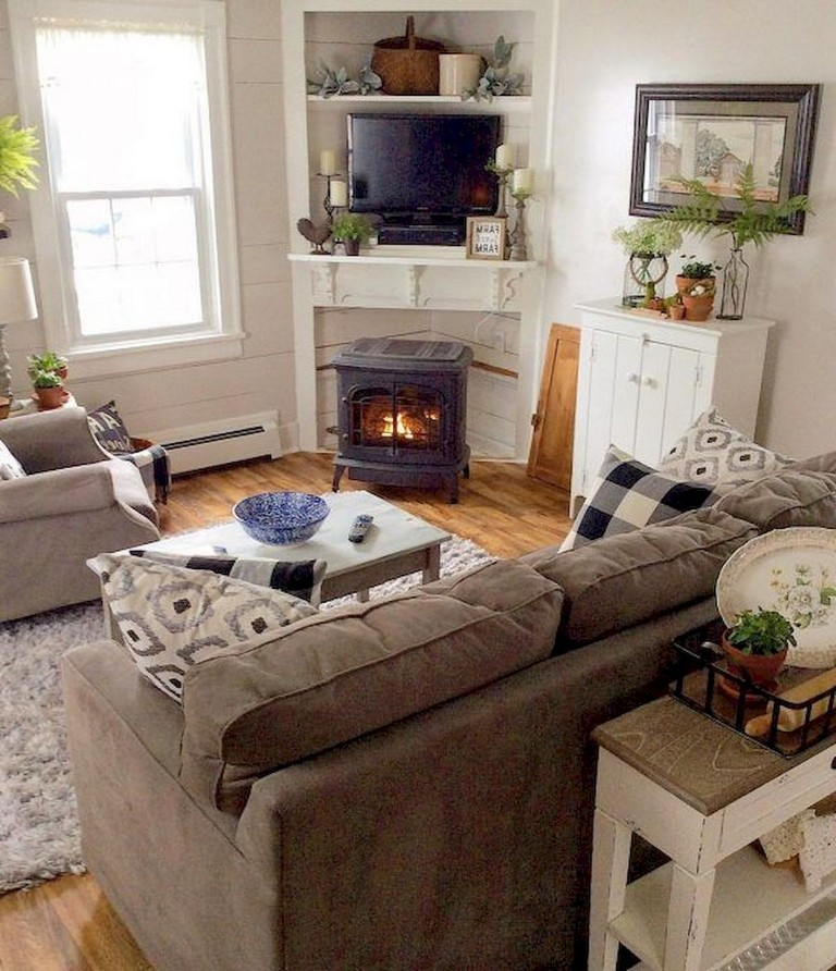 82+ Comfy Small Apartment Living Room Decorating Ideas on ... on Awesome Apartment Budget Apartment Living Room Ideas  id=68412