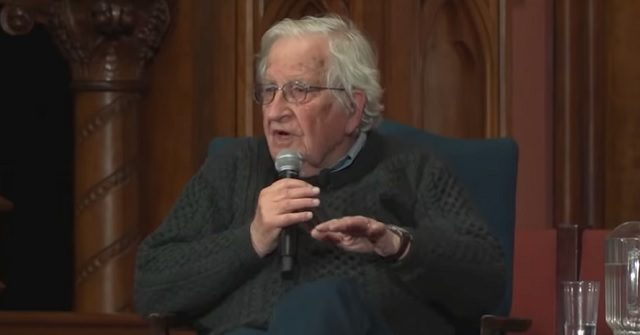Chomsky: Dems Handed Trump a 'Huge Gift,' Possibly the 2020 Election by Focusing on Russia