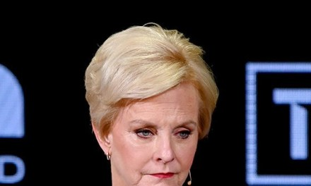 Cindy McCain Rips Trump's Human Trafficking Proposal: 'A Wall is Not Going to Fix This'