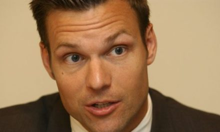 Kris Kobach: Catch and Release Can Be Instantly Ended Without Congress