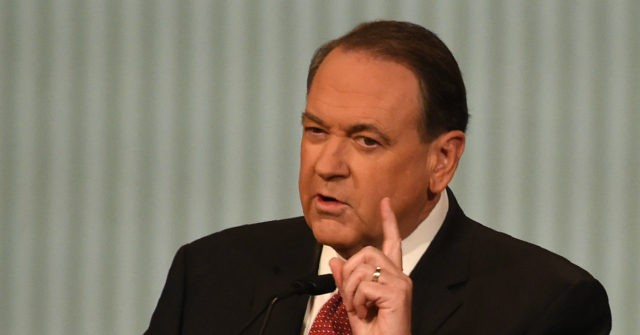 Mike Huckabee Slams Mitt Romney: 'Makes Me Sick' You Could Have Been President