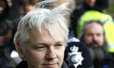 U.S. Extradites Julian Assange for 'Conspiracy with Chelsea Manning in 2010'