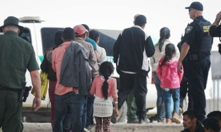 1000 Migrants Apprehended at Texas Border in Largest Group Ever
