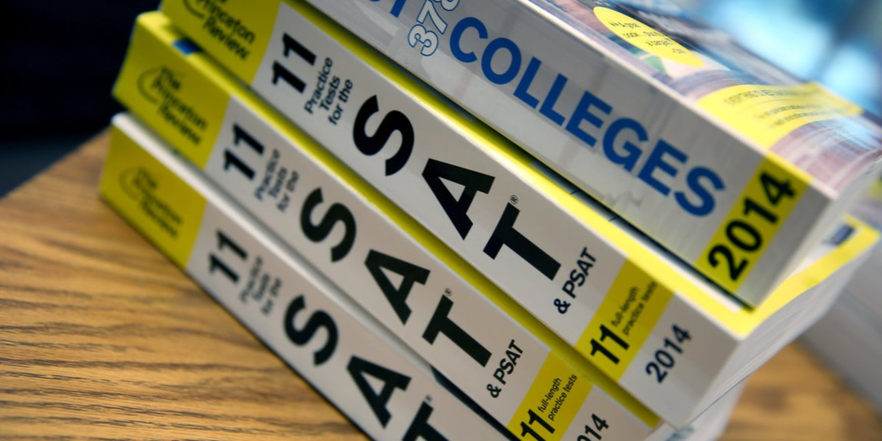 College Board to add the economic and social background of students to SAT exams