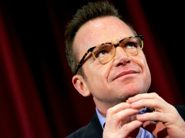 Tom Arnold: 'This Is Exactly How It Started, Germany 1930's, Families Rounded Up'