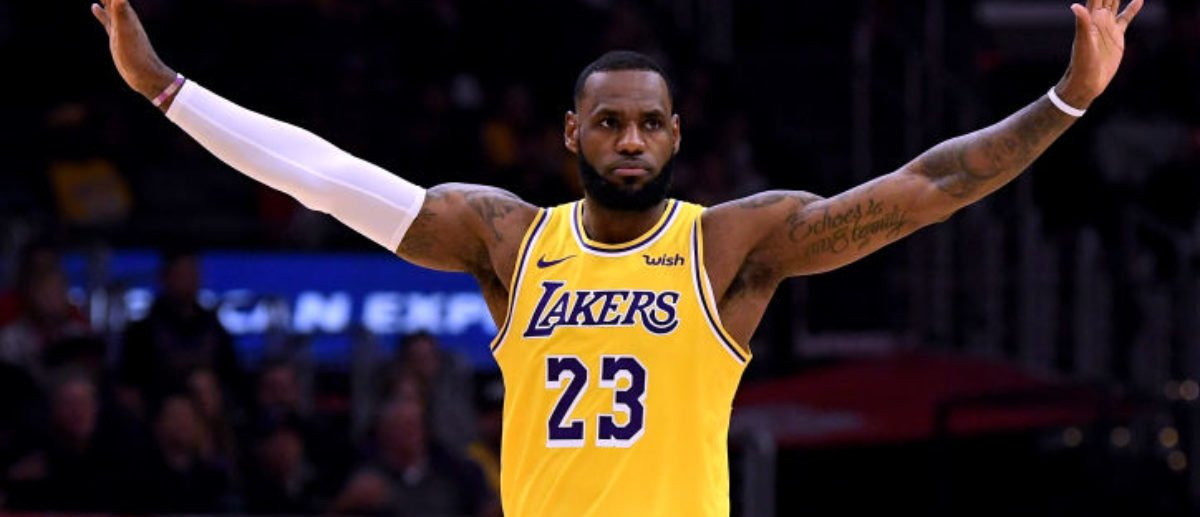 FACT CHECK: Did A Russian Billionaire Offer LeBron James And Serena Williams A Billion Dollars To Have A Child Together?