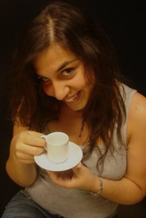 Karachi girl for tea
