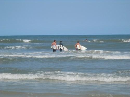 surfer dudes