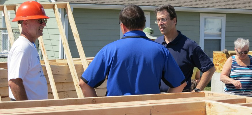 Clark makes plans with church for 2013 Joplin Habitat build