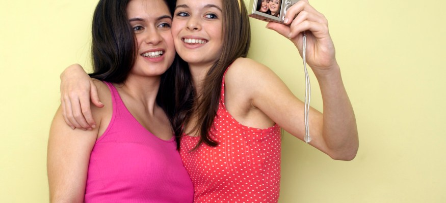GPS location tracking can follow your kids' smartphone pics