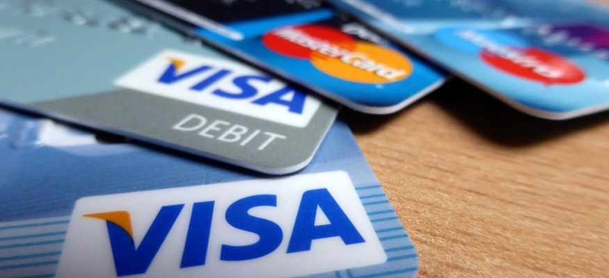Credit card that helps pay your college costs