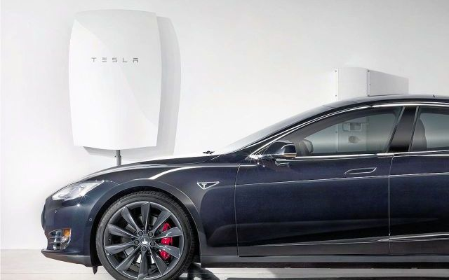 Tesla Announces New Home and Business Batteries – Clark's Take