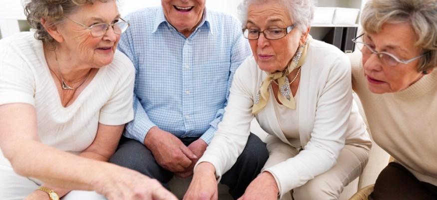 Pros and cons of reverse mortgages for seniors