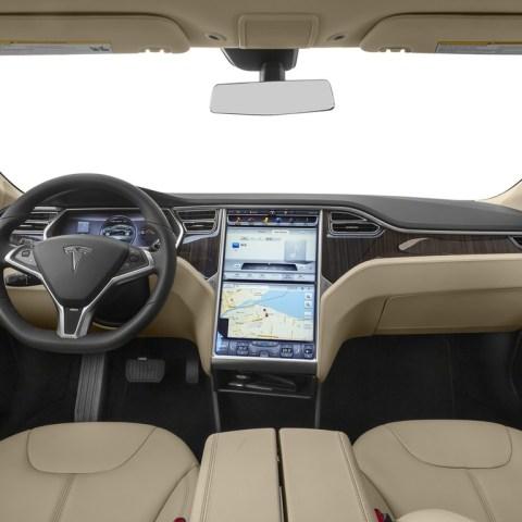 Video shows Tesla self-driving feature prevents crash