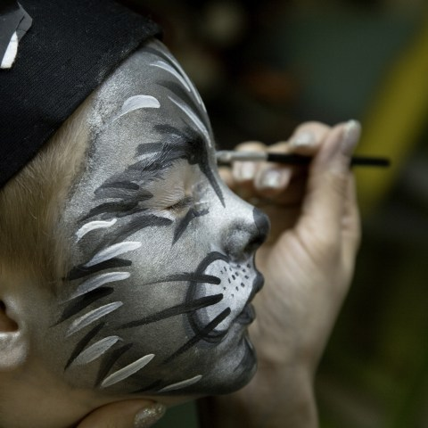 Parents: Beware of what's in your kids' Halloween face paint