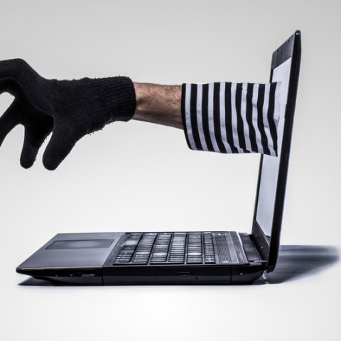 Heads up: Avoid these two major ID theft scams