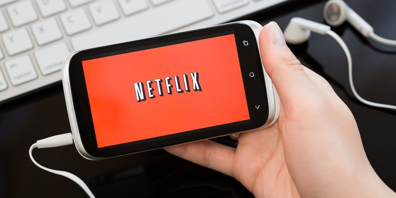 Netflix admits it lowered bandwidth for AT&T and Verizon mobile users
