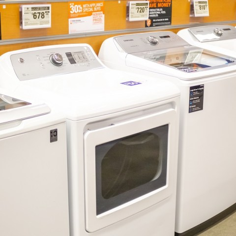 The Best Time and Place to Buy a Washer and Dryer