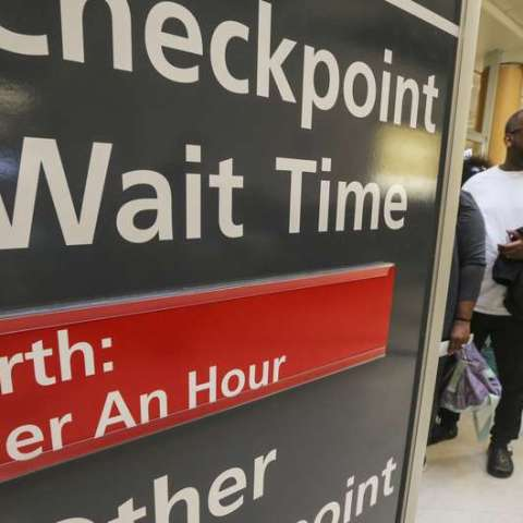 Traveling soon? Here's the best survival guide for long airport lines