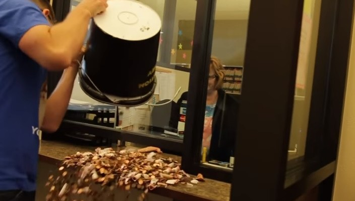 This guy paid a speeding ticket with 22,000 pennies