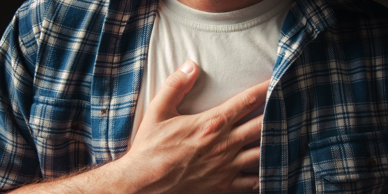 How to tell the difference between heart attack and heartburn