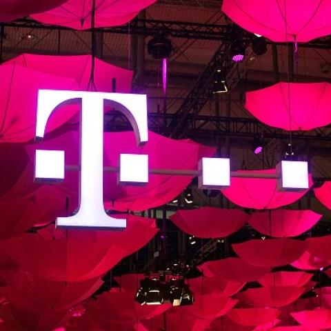 T-Mobile website data breach exposed customer addresses, PINs