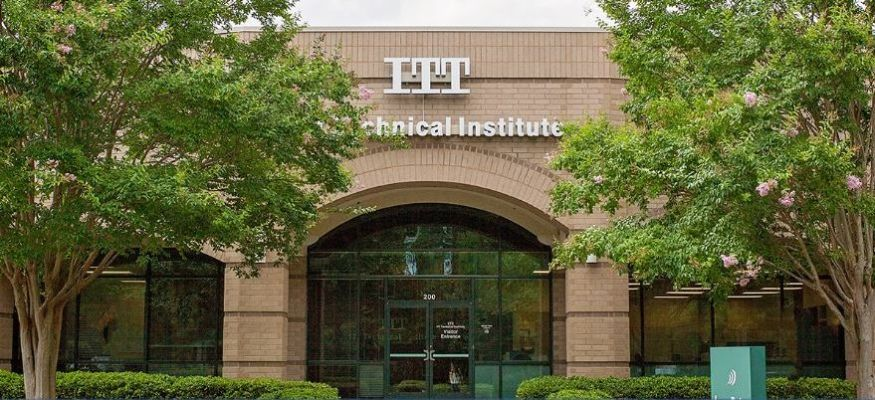 40,000 students affected after ITT Tech closes campuses across U.S.