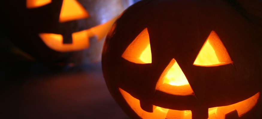 6 ways to spend less on Halloween