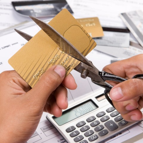 11 bad habits that are wrecking your credit
