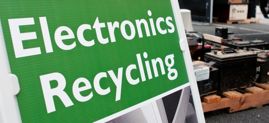 These 16 stores will reward you for recycling old phones, clothes and more