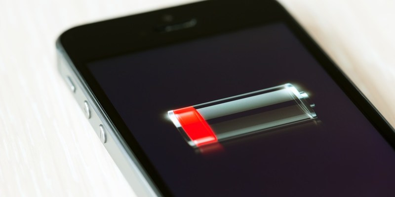Apple to replace faulty iPhone batteries for free