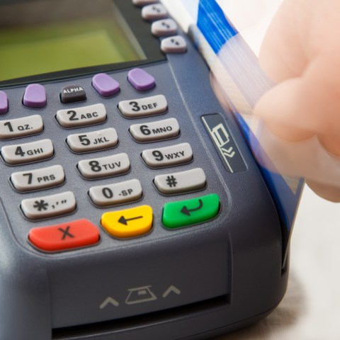 9 ways to protect your credit while holiday shopping