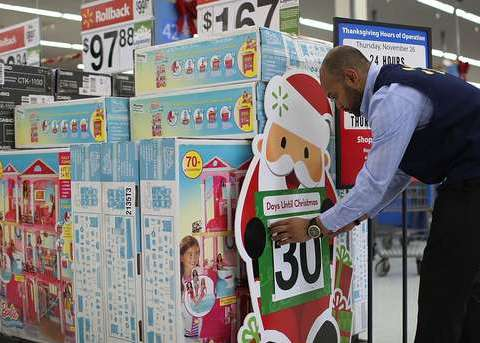 'Secret Santa' pays off $46,000 in Walmart layaway accounts