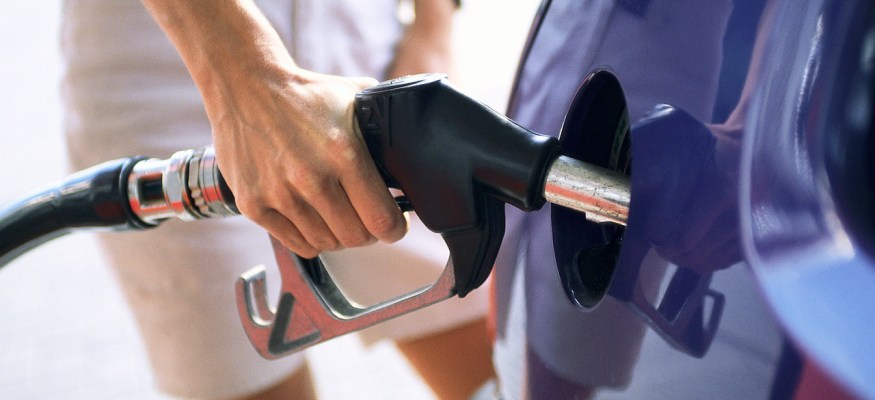 Why Topping Off Your Gas Tank Is A Bad Idea >> Why You Should Never Top Off Your Gas Tank Clark Howard