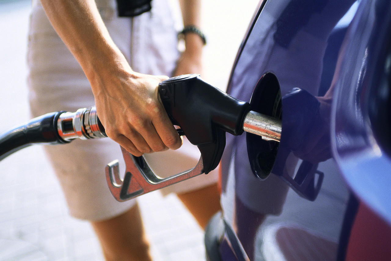 Why you should never 'top off' your gas tank - Clark Howard