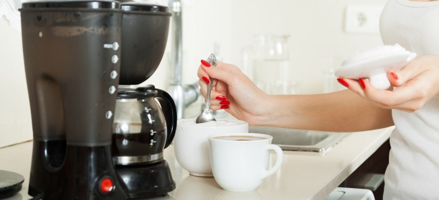 Your coffee maker may be full of harmful bacteria: Here's how to clean it!